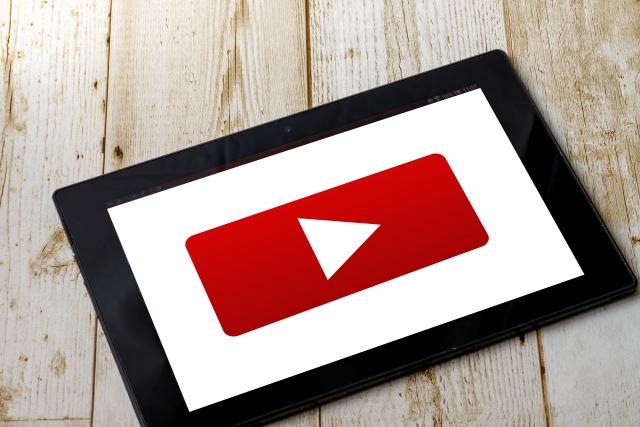YouTubeを見て暇つぶし